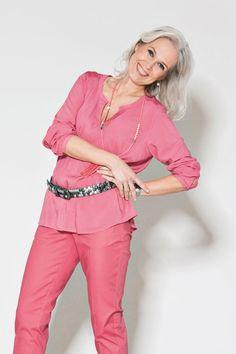 Billedresultat for gråt hår striber Grey Hair, Silver Hair, Grey And White, Jumpsuit, Dresses, Women, Style, Fashion, Overalls