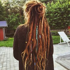 Interesting Hairdressing Tips You Should Use – Hair Wonders Hippie Dreads, Dreadlocks Girl, Girl Haircuts, Hairstyles Haircuts, Looks Hippie, Beckham Hair, Haircut For Big Forehead, Estilo Hippie, Hippie Chic