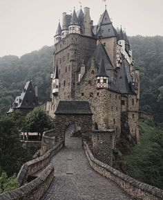 Eltz Castle Germany photo by @lmt_ by fantastic_earth