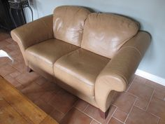 AMORETTO TAN LEATHER LOVE SEAT SET Estate sale from incredible Cumberland home – 1580 Stackhouse Court, Cumberland ON. Sale will take place Saturday, May 2nd 2015, from 8am to 4pm. The closest major intersection is Highway 174 & Old Montreal Road. Visit www.sellmystuffcanada.com to view photos of all available items and full sale description!