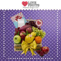 #Gratidão Linda caixa de palha abriga deliciosas uvas, maçãs, morangos, manga, pêssego,e manga. Um presente inesquecível!  Presentes emocionantes: http://www.lovefruits.com.br/  #PresentesInesqueciveis #BuqueDeFrutas #PresentesOriginais #PresentesSaudaveis #QualidadeDeVida #LOVEFRUITS