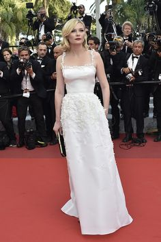 Kirsten-Dunst-Cannes-2016-Red-Carpet-Fashion-Salvatore-Ferragamo-Dior-Couture-Tom-Lorenzo-Site (2)