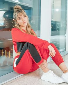 Red Velvet, Youtubers, Gym Bag, Bags, Vip, Queen, Closet, Fashion, Mariana