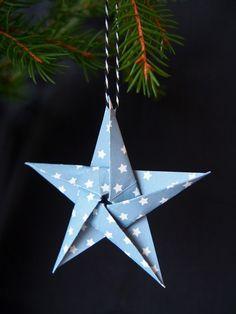 2. luukku / Tähtijoulukortit - Pientä kivaa Christmas Ornaments, Holiday Decor, How To Make, Home Decor, Xmas Cards, Crafting, Room Decor, Christmas Baubles, Home Interior Design