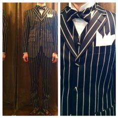 suit:ネイビーホワイトストライプ shirt:白ウイングカラー bowtie:スーツ共布オーダー蝶ネクタイ  #新郎#カジュアルウエディング
