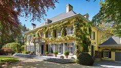 Exclusieve villa gelegen in het residentiële Brasschaat.