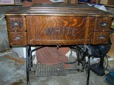 Would love to have an old sewing table similar to this one. I am bless with having a not quite so old, but much treasured sewing table from my grandmother.