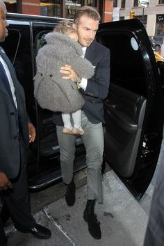 They were sat front and centre at Victoria Beckham's New York Fashion Week show, so it was only fitting for David to treat his designer wife and family to lunch after the sartorial showcase. David Beckham Kids, David Beckham Style, Celebrity Scandal, Celebrity Dads, Victoria Beckham News, Harper Beckham, Hollywood Gossip, New York Fashion, Canada Goose Jackets