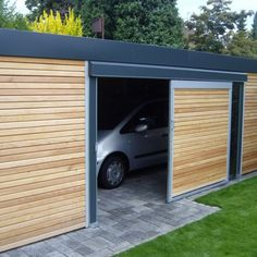 EXZELLENTER Carport: Form und Funktionalität | GEWA Solar Carport, Carport Garage, Garage Doors, Carport Designs, Car Parking, My House, Beach House, Shed, New Homes