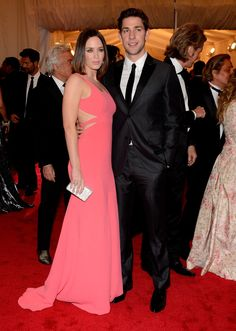 Emily Blunt in Calvin Klein and John Krasinski < beautiful color and style, fits her perfectly!