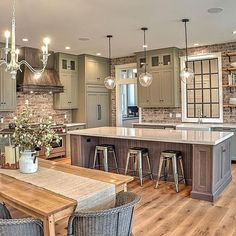 Interior Design Kitchen - Farmhouse kitchen style will be perfect idea if you want to have family gathering in your kitchen during meal time. Farmhouse Style Kitchen, Modern Farmhouse Kitchens, Home Decor Kitchen, Cool Kitchens, Kitchen Rustic, Design Kitchen, Farmhouse Ideas, Elegant Kitchens, Rustic Farmhouse