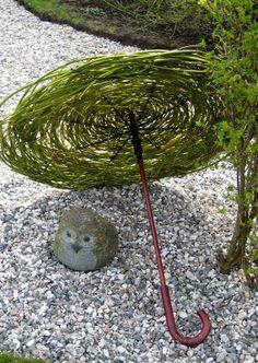 ..krea-krampen..: Gren-leg--Reminiscent of the proposal....? RD idea? Weave some lavender into umbrella...?