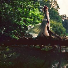 http://www.sarahannlorethphotography.com/ How great would this capture be for a wedding? Fairy tale! Fairy tale!