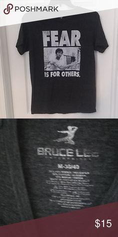 Bruce lee Jump Kick Block Red T-Shirt Vintage mens Tee S,M,L,XL,XXL
