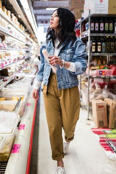 A Month's Worth Of Chic Spring Outfits, Spring Outfits, casual spring style. Fashion Blogger Style, Look Fashion, Trendy Fashion, Fashion Models, Fashion Trends, Fashion 2018, Modern Fashion, Fashion Designers, Dress Fashion