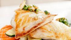 طريقة عمل سمك فيليه مشوي بالخضار - Fish fillet with veggies recipe