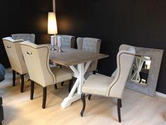 Lekkert bondebord med Fru Lin spisestoler til. Kan få kjøpt hos www.no/shop Dining Chairs, Dining Room, Dining Table, Interior, Furniture, Home Decor, Drawing Rooms, Dinner Chairs, Dinner Room