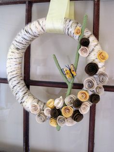 ... yellow ribbon and that's that! A fun and easy spring wreath