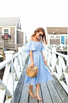 Gingham trend is not something very new but it becomes trend again and again. Here are some stylish outfit ideas for spring. Check out this post and see. Preppy Dresses, Casual Dresses, Stylish Outfits, Fashion Outfits, Preppy Fashion, Curvy Fashion, Fall Fashion, Style Fashion, Gingham Dress