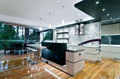 Kitchen contemporary design Kim Duffin with opening on the terrace
