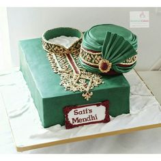 I was lucky to have creative freedom with is one. Cakes for men are always hard to design. After seeing so many beautiful versions of Sherwani cakes it was a challenge to come up with something different. Here's my version created to replicate the grooms outfit, the pagri I added just because I always wanted to make one. #mendhicake ehndicake #weddingcake #asianweddingcakes #asianweddings #indianweddingcakes #rohimascakes #cakestagram #asianbridal