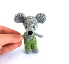 tiny rat crochet rat amigurumi rat mouse by tinyworldbycrochAndi