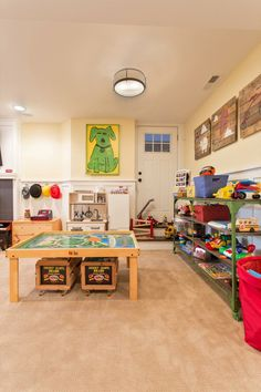 les 25 meilleures id es de la cat gorie couleurs de peinture de salle de jeux sur pinterest. Black Bedroom Furniture Sets. Home Design Ideas