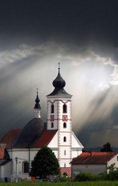 Igreja perto de Zagreb, Croácia