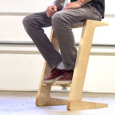 Attempting to raise the bar by helping people reach the bar. www.shaunboydmadethis.com/cantilever-bar-stool