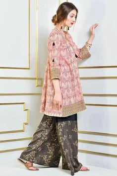 Kayseria Latest Summer Pret Collection 2019 With Price Simple Pakistani Dresses, Pakistani Fashion Casual, Pakistani Dress Design, Pakistani Outfits, Pakistani Couture, Ethnic Fashion, Indian Outfits, Stylish Dresses For Girls, Stylish Dress Designs