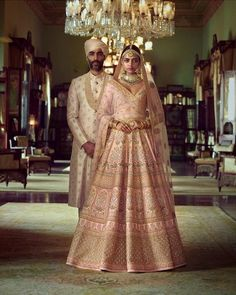 Sabyasachi just launched his 2020 new bridal collection. Sabyasachi Sultana Wedding Lehengas come in gorgeous new shades and you've got to see the dupatta! Sabyasachi Wedding Lehenga, Pink Bridal Lehenga, Latest Bridal Lehenga, Indian Wedding Lehenga, Designer Bridal Lehenga, Peach Lehnga, Wedding Mandap, Wedding Stage, Wedding Receptions