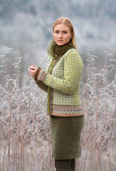 Fair Isle Knitting Patterns, Knitting Machine Patterns, Knitting Stiches, Knitting Designs, Hand Knitting, Norwegian Knitting, Cardigan Design, Knitted Baby Clothes, Knit Fashion