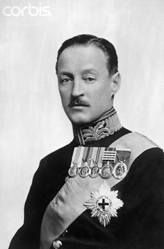 Charles Richard John Spencer-Churchill, 9th Duke of Marlborough (13.11.1871|30.6.1934) styled Earl of Sunderland until 1883, Marquess of Blandford 1883|92. Often known as 'Sunny' after his courtesy title of Earl of Sunderland. b. Simla, India, the only son of George Spencer-Churchill, 8th Duke & Lady Albertha Frances Anne. Nephew of Lord Randolph Churchill + 1st cousin of Winston Churchill, with whom he had a close + lifelong friendship. Educated Winchester College + Trinity College…
