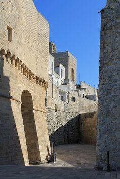 Otranto - the aragonese castle. 40°09′00″N 18°29′00″E