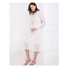 I really love this modest white dress from Zara. Perfect whatever your age. Zara Trends, Zara Looks, Covet Fashion, Womens Fashion, White Fashion, Funny Fashion, White Outfits, Mode Inspiration, Wholesale Fashion