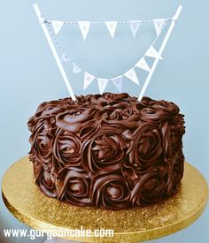 Chocolate Fudge Birthday Cake Baking Recipe Birthday Cake Fudge Birthday Cake Fudge, Sauce Caramel, Cake Business, Little Cakes, Rose Cake, Chocolate Fudge, No Bake Cake, Christmas Cakes, Cake Baking