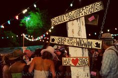(I want to GO to the next prom!!  Looks so fun!) JuNK GyPSY junk-o-rama prom!!