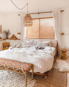 30 Lovely Boho Chic Bedroom Decor Idea - Indian-inspired accent toss pillows bring a subtle boho vibe to a neutral ivory room. Bold rich hues and embroidered textiles offset white walls and a. Bohemian Bedroom Design, Bohemian Bedroom Decor, Modern Bedroom Design, Bedroom Designs, Boho Chic Bedding, Boho Chic Interior, Bedroom Ideas, Bedroom Inspiration, Interior Design Trends