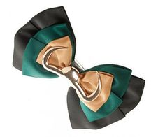 This Marvel Loki Hair Bow is perfect! Marvel Tony Stark, Loki Cosplay, Lady Loki, Best Superhero, Fandom Fashion, Tom Hiddleston Loki, Marvel Comics, Hair Bows, Fangirl
