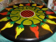 A lazy susan I painted for a customer, the peppers were her request. By Misty Oakley Painted Trays, Painted Rocks, Hand Painted, Pottery Painting, Tole Painting, Tole Decorative Paintings, Art Projects, Projects To Try, Repainting Furniture