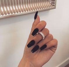 Shared by 𝑀𝒶𝓂𝒾 𝒬𝓊𝑒𝑒𝓃. Find images and videos about fashion, style and nails on We Heart It - the app to get lost in what you love. Edgy Nails, Aycrlic Nails, Swag Nails, Hair And Nails, Glitter Nails, Black Acrylic Nails, Best Acrylic Nails, Acrylic Nail Designs, Minimalist Nails