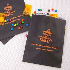 Personalized 6 x 8 Halloween cake and candy bags printed with a spooky design are the perfect party favor for any Halloween themed wedding, birthday, or holiday bash. Halloween Cakes, Halloween Themes, Halloween Party, Halloween Goodie Bags, Wedding Reception, Wedding Ideas, Wedding 2015, Wedding Favors, Party Favors