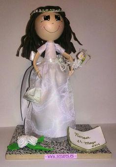 Otra muñeca de comunion realizada en goma Eva y tela