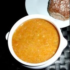 Simple lentil and bacon soup. This is a simple, easy, comforting soup. Lentil And Bacon Soup, Lentil Soup Recipes, Soup Recipes Uk, Dinner Recipes, Bacon Recipes, Detox Recipes, High Protein Snacks, Healthy Soup, Healthy Recipes