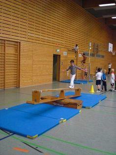 Kids gym, exercise for kids, kids workout, school sports, kids spor Gymnastics Images, Kids Gymnastics, Educational Activities For Preschoolers, Fun Activities For Kids, School Sports, Sports Clubs, Kindergarten Fun, Social Trends, Baby Gym
