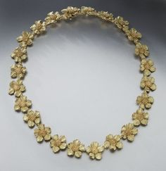18K gold Tiffany classic dogwood blossom necklace