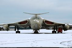 Aviation Photo Handley Page Victor - UK - Air Force Military Jets, Military Aircraft, Fighter Aircraft, Fighter Jets, Aircraft Parts, Handley Page Victor, V Force, Aircraft Design, Jet Plane