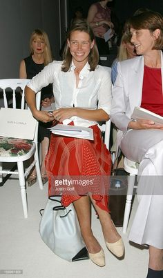 'Jasper Conran' Show During London Fashion Week. Lady Sarah Armstrong Jones, Lady Sarah Chatto, Kate And Harry, Royal Family Pictures, English Royalty, British Monarchy, Royal Fashion, British Royals, Kate Middleton