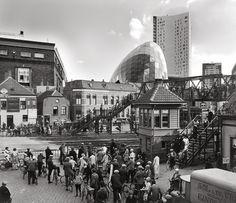 EINDHOVEN IN BEELD foto's & verleden - De Woenselse overweg, Eindhoven, 1928 / 2011.