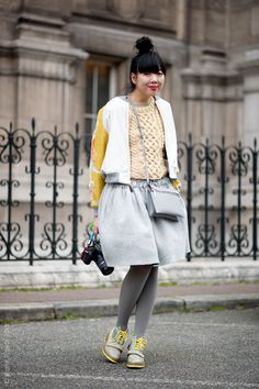 (via Street Style Aesthetic » Blog Archive » Paris –...